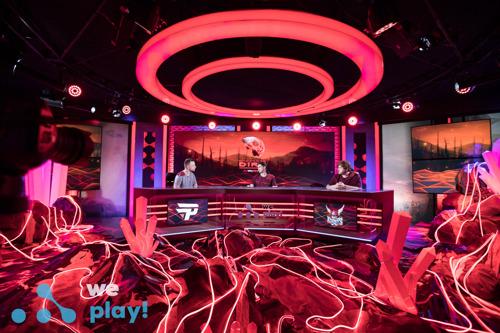 Турнир Tug of War: Dire — фото талантов и оформление студии WePlay! Esports