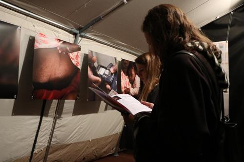 Einladung: Eröffnung der Fotoausstellung «Die Stimme meiner Verletzungen» in Olten