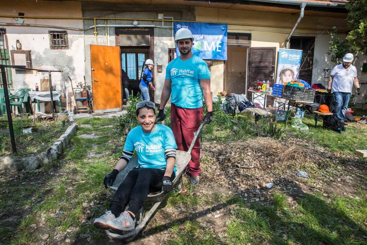 Valéria és Tibor nemsokára már egy kész házrész boldog tulajdonosai lesznek