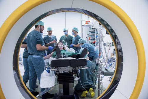 Laser brandt 'fout' hersenweefsel weg met MRI als gps
