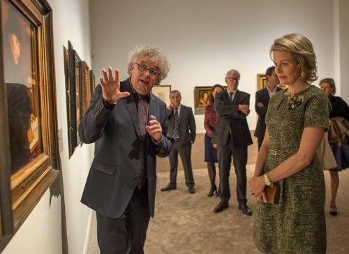 La Reine Mathilde très impressionée par les chefs-d'œuvre de l'exposition « À la recherche d'Utopia