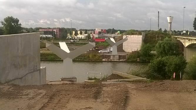 Pijlers trambrug R4-Ringvaart
