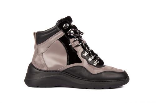 Unisa shoes packshots women FW20