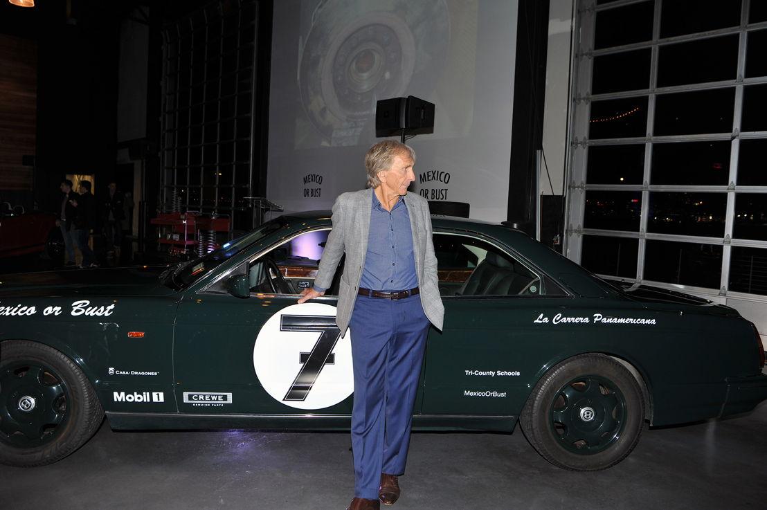 Derek Bell invitado de Bentley Motors Inc.
