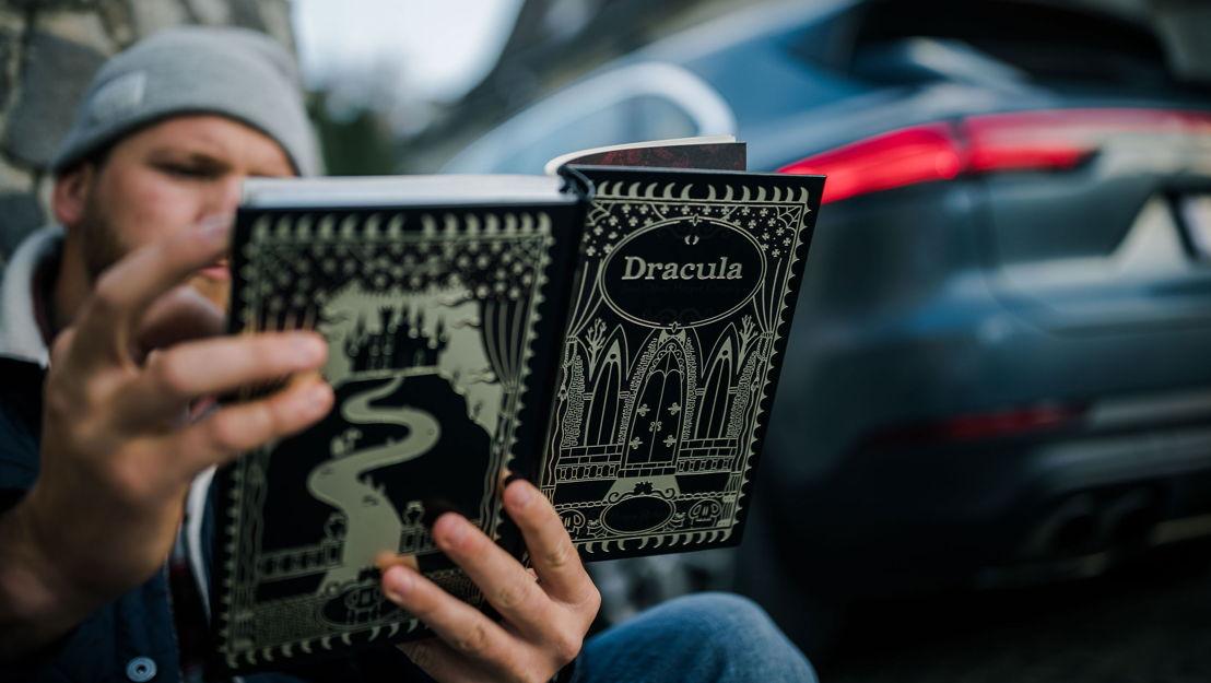 Si crees en el escritor británico Bram Stoker, sí. Escribió la historia de terror sobre el Conde Drácula.