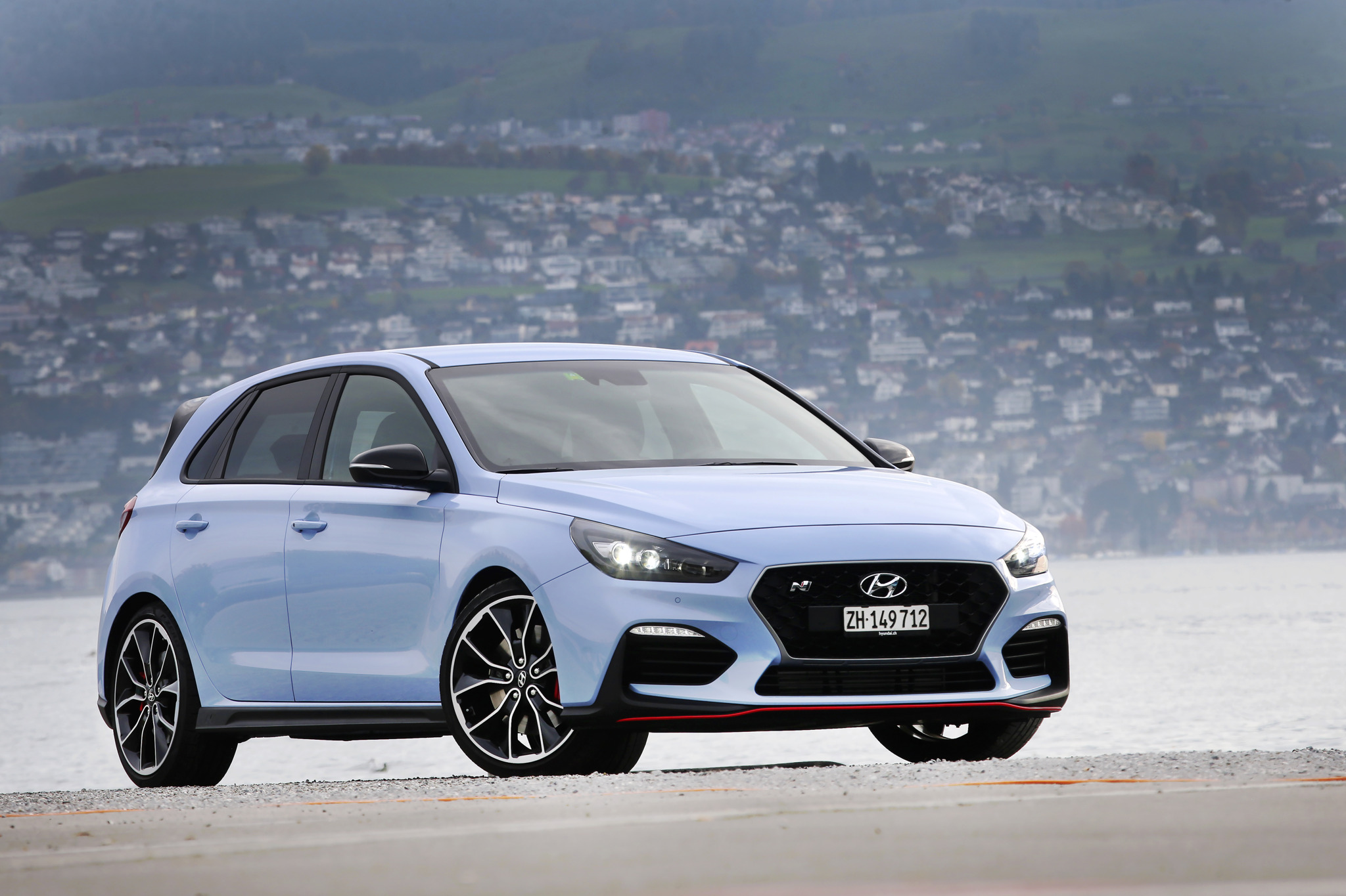 der all new hyundai i30 n ist in der schweiz eingetroffen. Black Bedroom Furniture Sets. Home Design Ideas