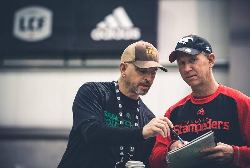 Craig et Dave Dickenson lors du camp d'évaluation de la LCF, présenté par adidas. Crédit : Johany Jutras/LCF
