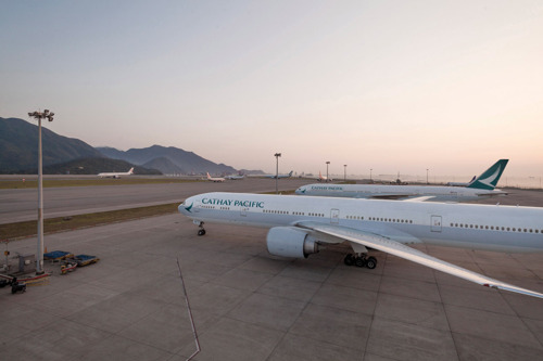 Cathay Pacific releases combined traffic figures for October 2017