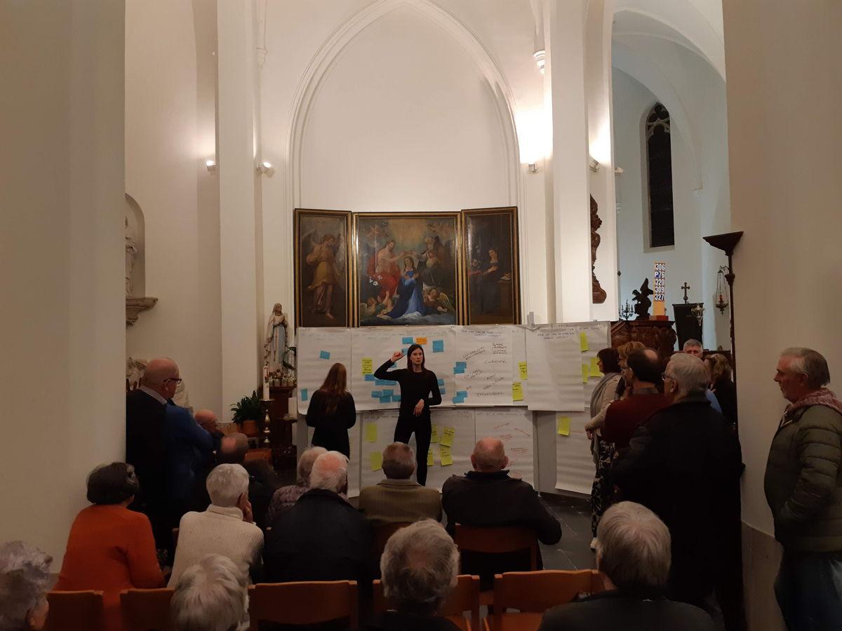 Foto: participatiemoment van PARCUM in de kerk van Zemst