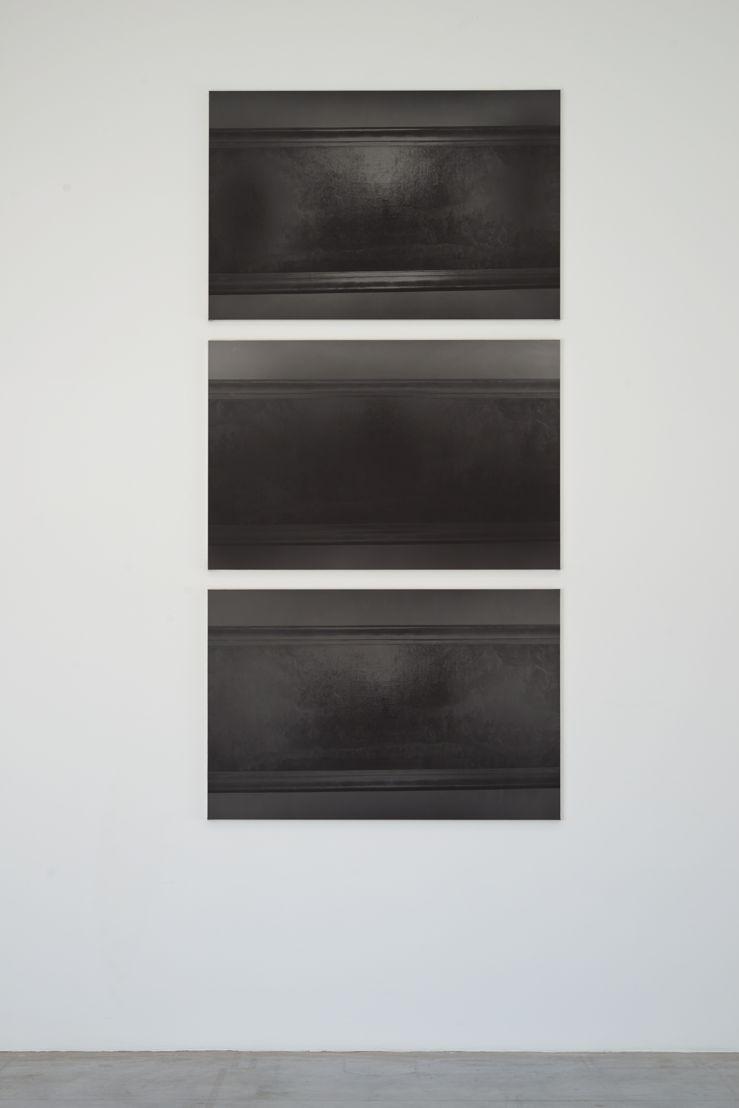V.L.-L.V. #1, 2, 3;  2017<br/>Gelatine Silver Print<br/>120x180 cm<br/>(c) Dirk Braeckman, Courtesy Zeno X Gallery, Antwerp<br/><br/>Foto: Dirk Pauwels