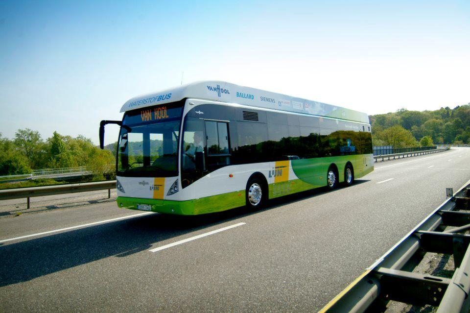 Waterstofbus van De Lijn. Fabrikant: Van Hool.