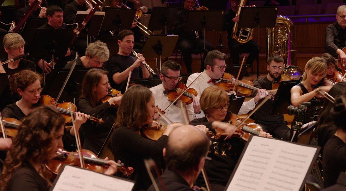 'De bucketlist' in Iedereen beroemd: viool spelen met Brussels Philharmonic (c) VRT