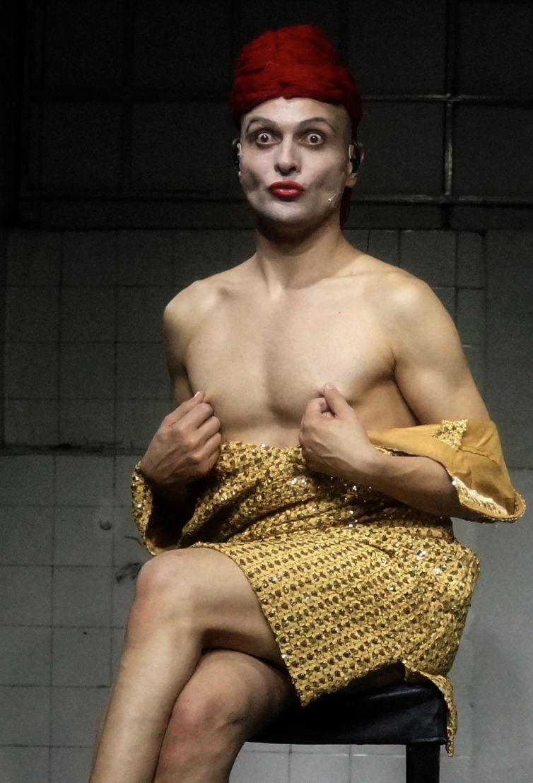 Ivo Dimchev - FB Theater - 15 > 16/01 © Ivo Dimchev
