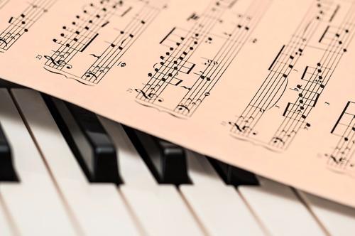 2.000 Waalse schoolkinderen leren over gelijkheid en armoede met musical 'Les Misérables en concert'