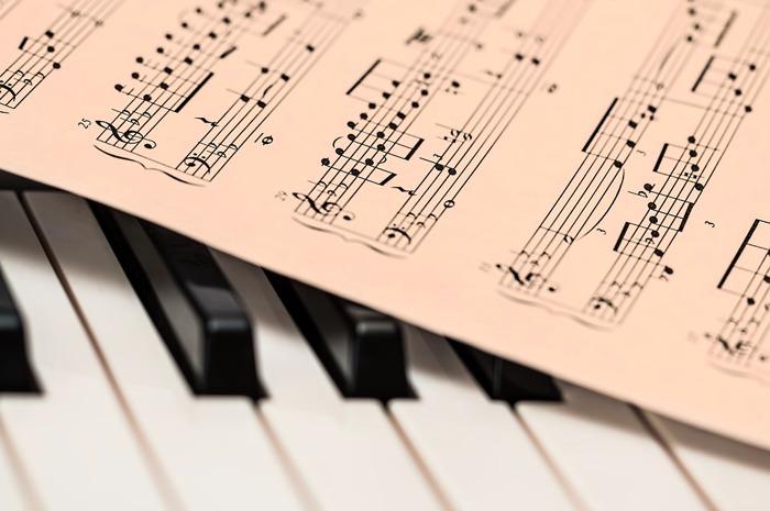 Preview: 2.000 Waalse schoolkinderen leren over gelijkheid en armoede met musical 'Les Misérables en concert'