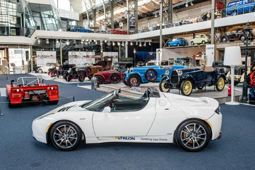 Een van de eerste Tesla-exemplaren nu in Autoworld