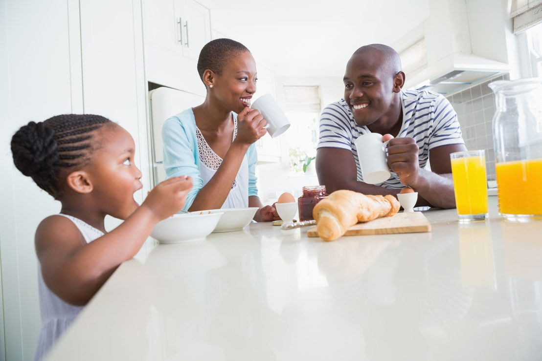Famiglia colazione_1