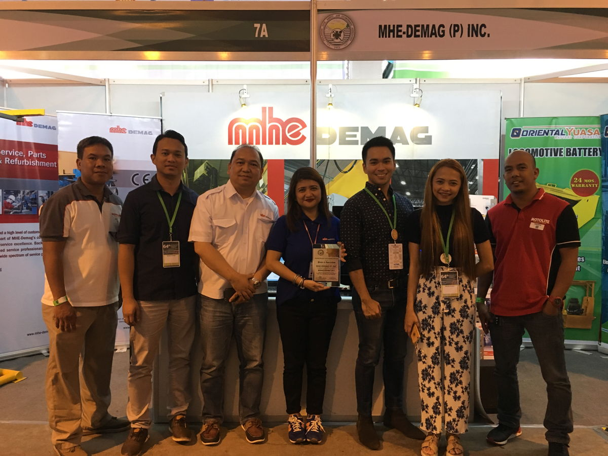 MHE-Demag and official forklift battery partner, Motolite, enjoyed the success of the event.