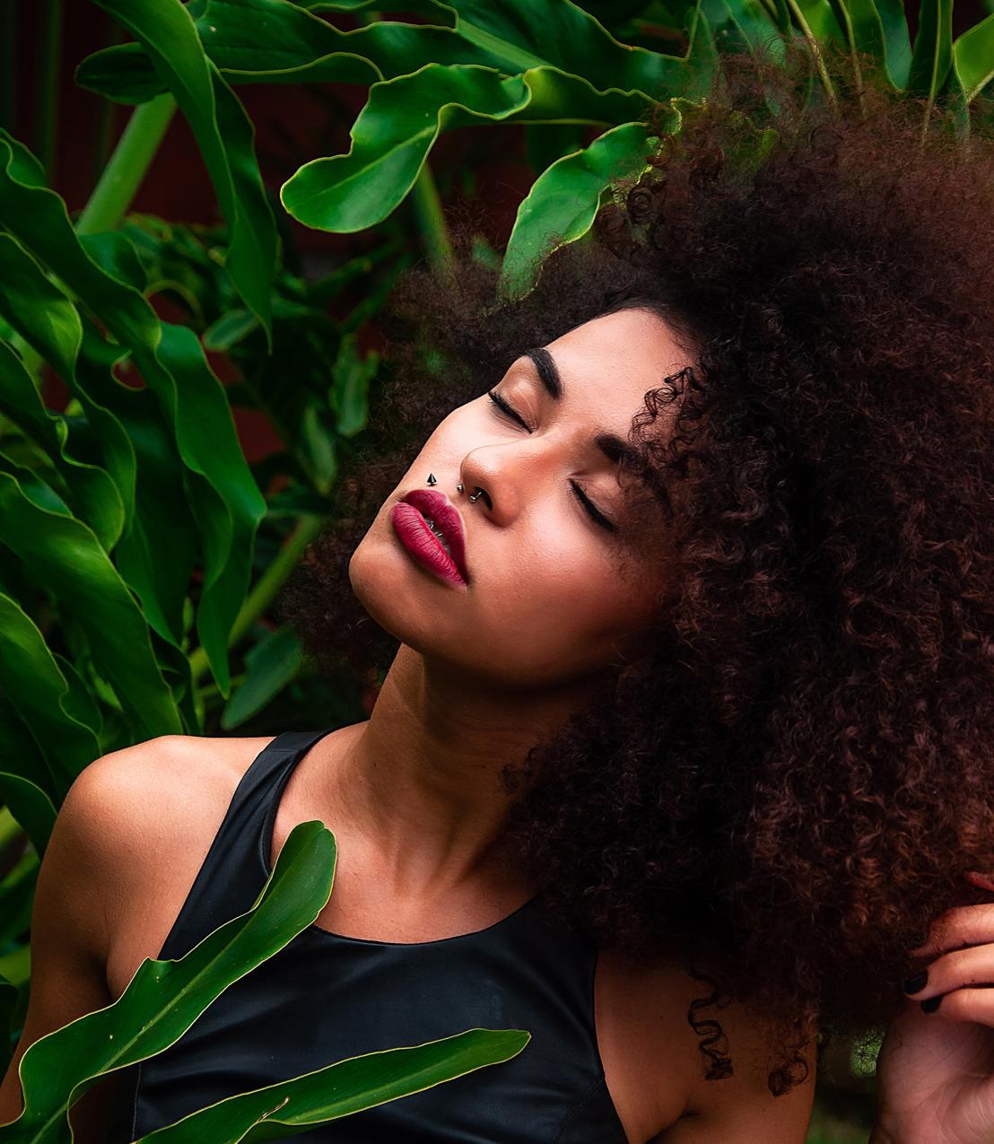 Método curly: Cómo sacarles partido a tus rizos en verano