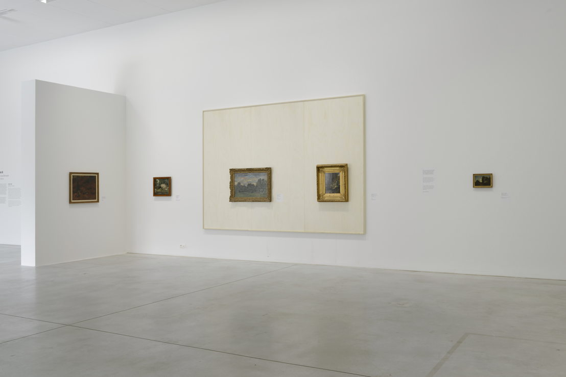 Zaalzicht met focus op twee werken van de school van Barbizon (c) Isabelle Arthuis