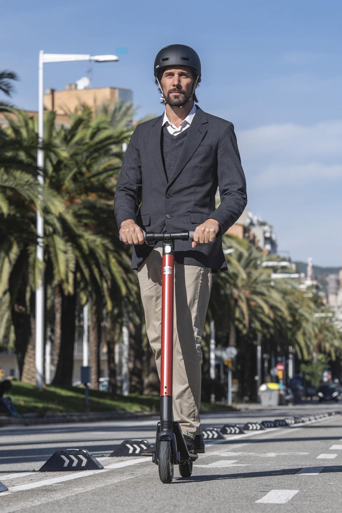 SEAT lance stratégie de micromobilité avec le nouveau KickScooter eXS