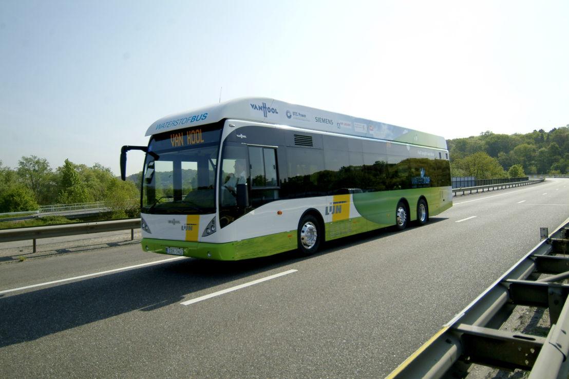 Waterstofbus (fabrikant: Van Hool).