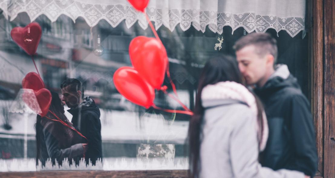 Dale la vuelta al brindis de tu cena romántica este 14 de febrero con las siguientes ideas