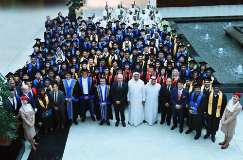 الدائرة الأمنية في مجموعة الإمارات تحتفل بتخريج دفعة جديدة