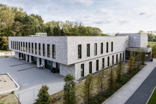 La construction passive dans un service résidentiel en pédopsychiatrie : une première en Belgique