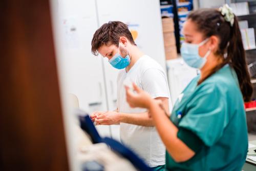 Studenten Verpleegkunde UCLL Campus Gasthuisberg versterken intensieve COVID-afdelingen UZ Leuven