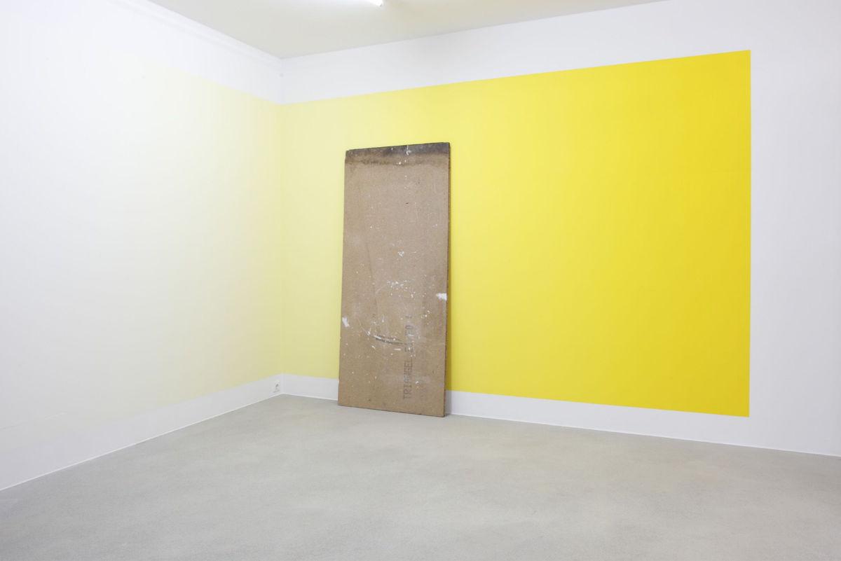 Pieter Vermeersch, Untitled, 2009. Zaalzicht 'WITH YOUR EYES ONLY, Kunstverein Medienturm, Graz, Austria, 2009. foto: Rainer Iglar