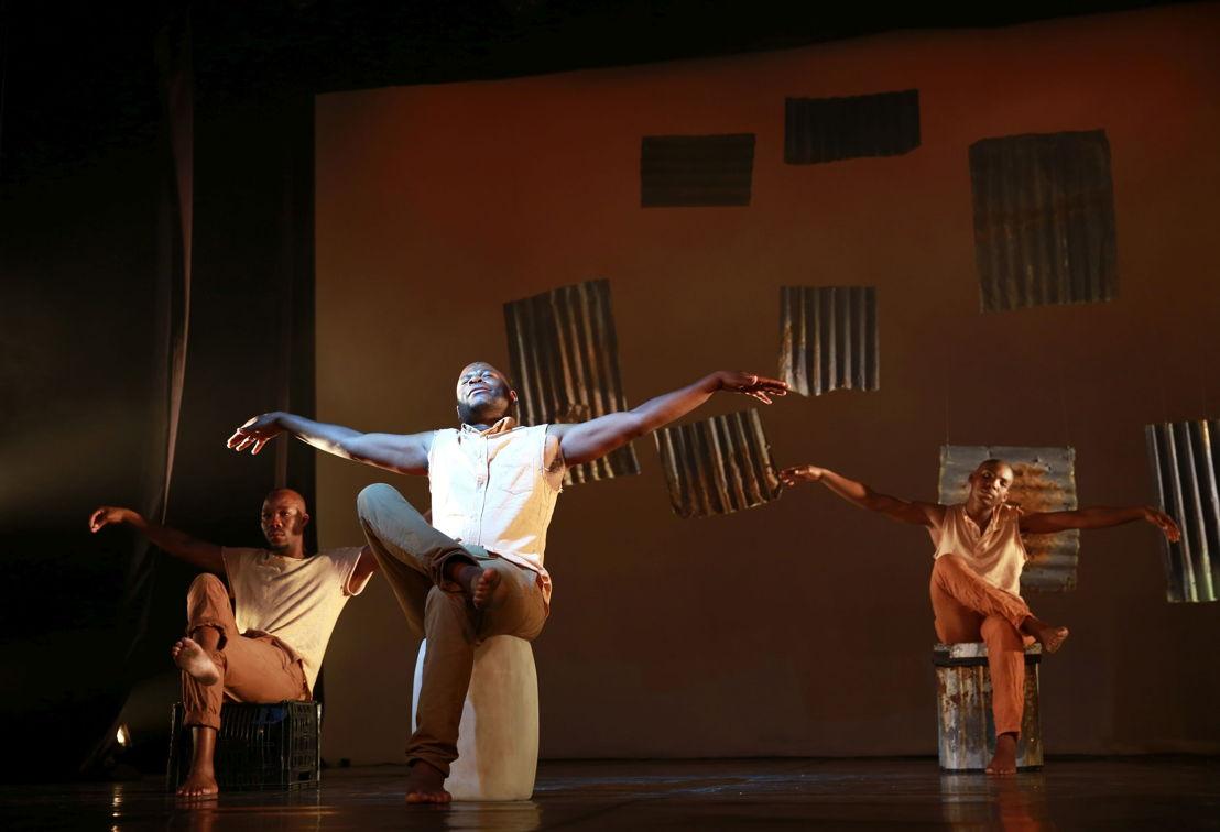 Vuyani Matiwane, Bongani Dyalivana & Eric Menyo in Phefumla/To Breathe. Image by Nardus Engelbrecht