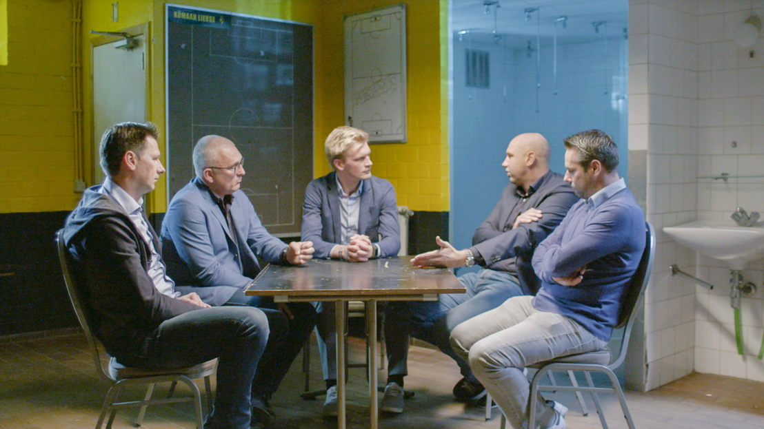 Lierse 1997: Nico Van Kerckhoven, Eric Van Meir, Ruben Van Gucht, Bob Peeters, Dirk Huysmans - (c) Deklat Binnen