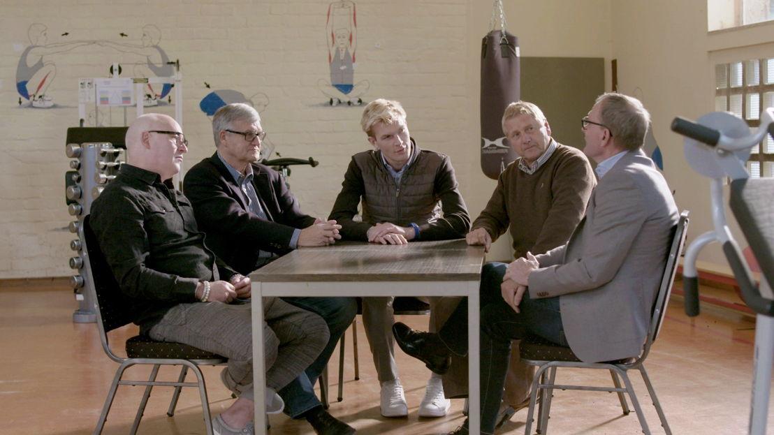 Lokeren 1981: René van der Gijp, Wlodek Lubanski, Ruben Van Gucht, Maurice De Schrijver en Preben Larsen Elkjaer - (c) Deklat Binnen