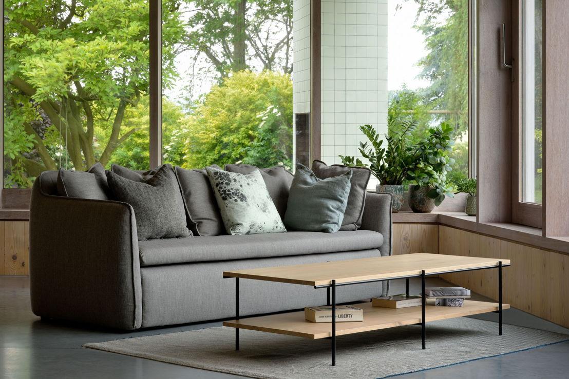 50135 Oak Rise coffee table & 20246 N901 sofa 3 seater dark grey (4)