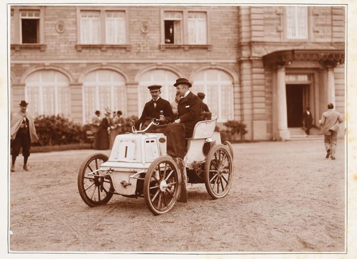 Des photos originales du premier rallye automobile belge aux enchères