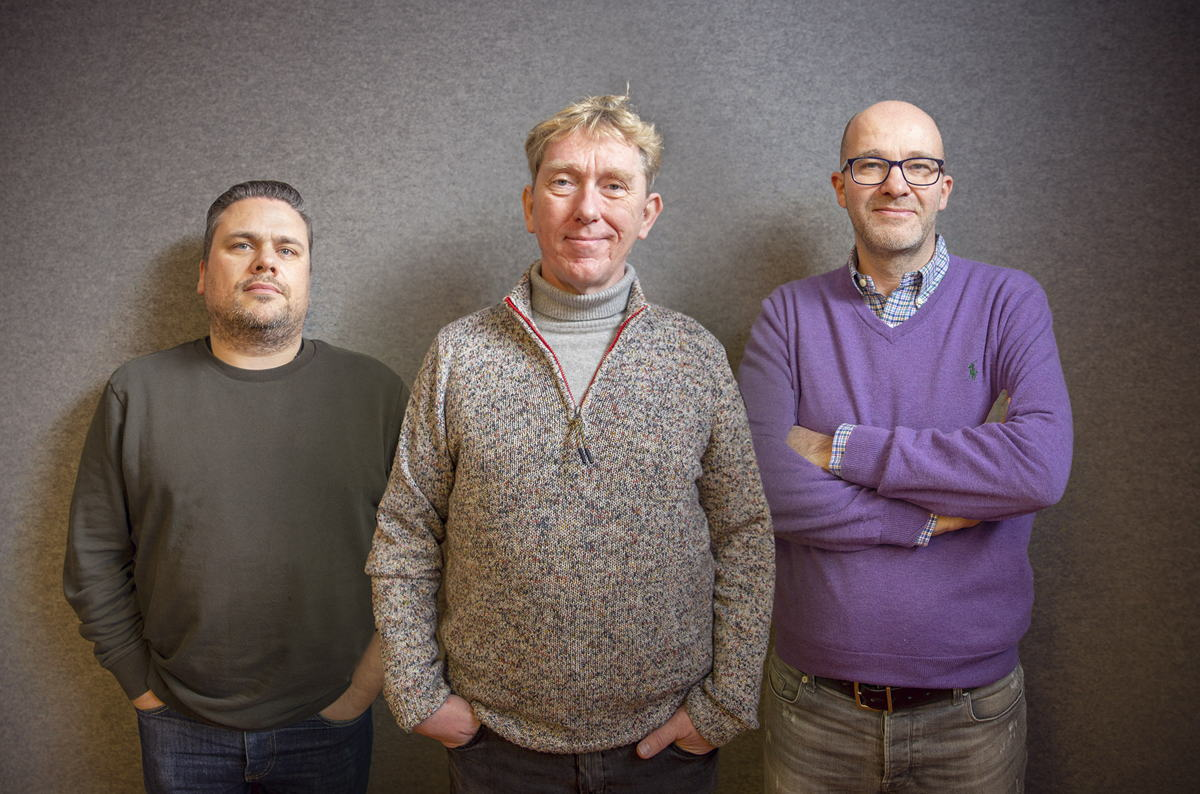 Photo (de g. à dr.):  Jochem Goovaerts (consultant senior), Jan Van der Cruysse (consultant senior) et Bruno Leyssens (partenaire)