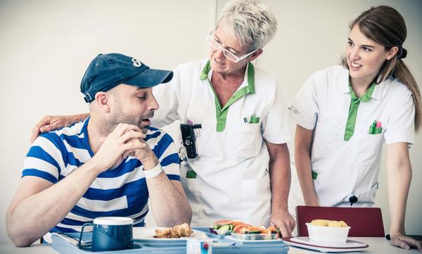 A l'UZ Brussel, 37 infirmier(e)s peuvent commencer directement à travailler.