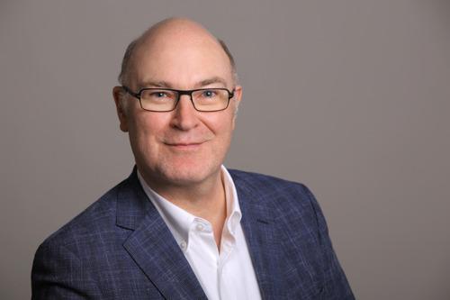 Hugendubel Fachinformationen gewinnt Jörg Pieper für Vertrieb und Business Development