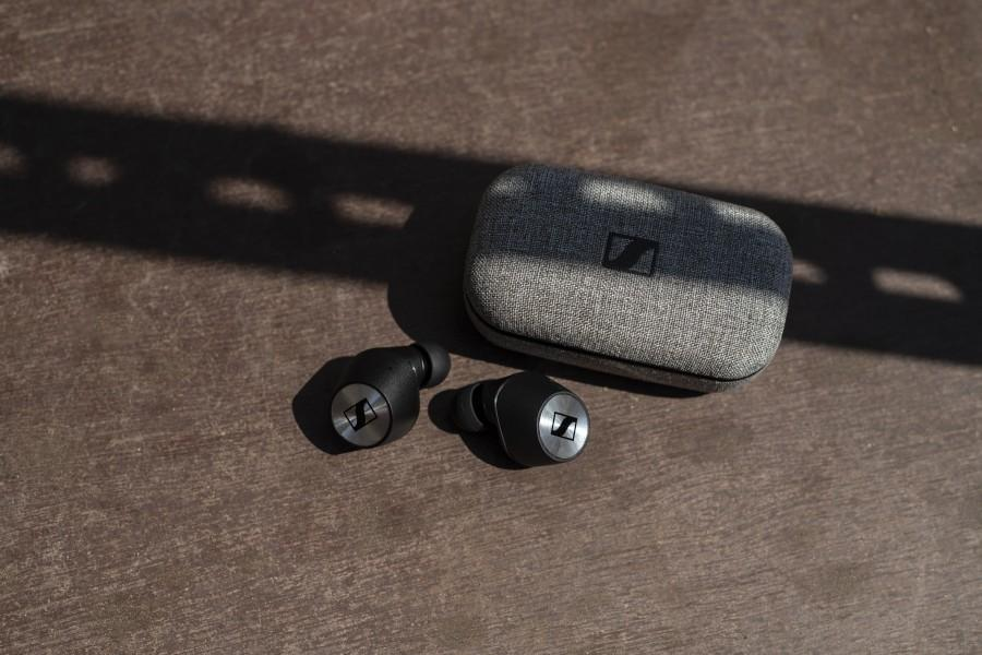 Sennheiser's new MOMENTUM True Wireless earphones set new standards for audio quality, with characteristic MOMENTUM style and comfort.