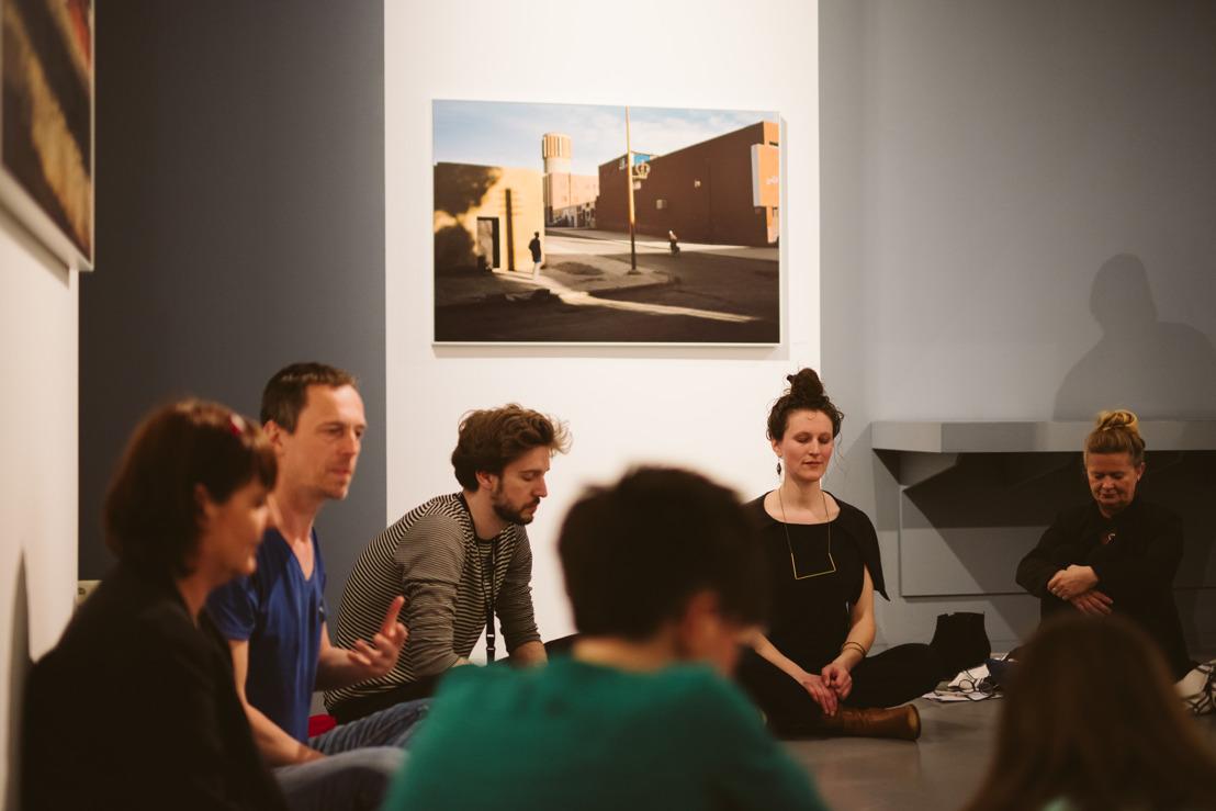 Wekelijks Slow Focus in Fotomuseum Antwerpen: verbinding door kunst