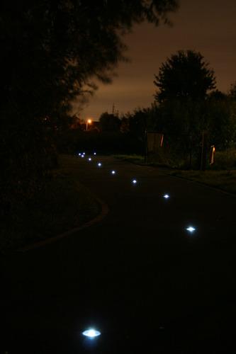 Provincie Oost-Vlaanderen plaatst lichtbakens op fietssnelweg F45 Ruien en F421 Ronse