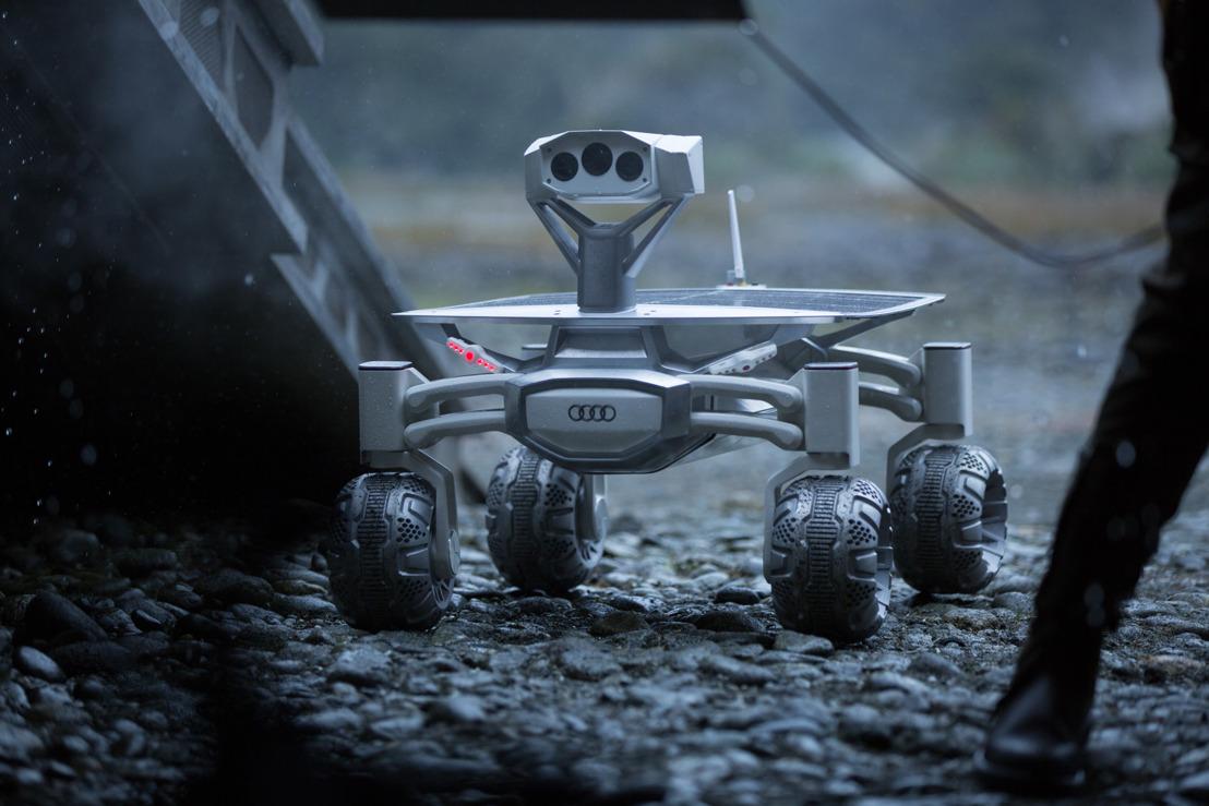 Maanvoertuig Audi lunar quattro op het witte doek in de film Alien: Covenant
