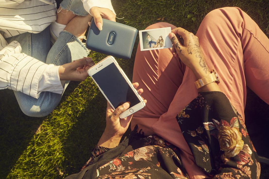 FUJIFILM dévoile sa nouvelle imprimante smartphone instantanée: instax mini Link
