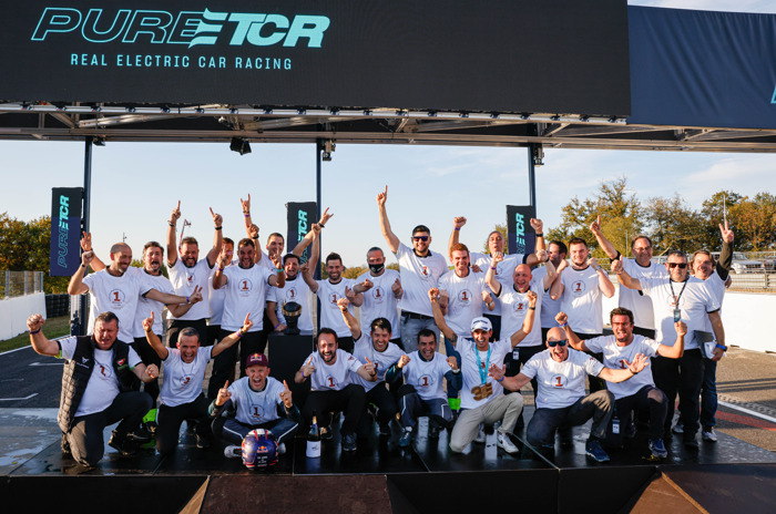 CUPRA and Mattias Ekström race to victory, becomingPURE ETCR champions winning both manufacturers' and drivers' title