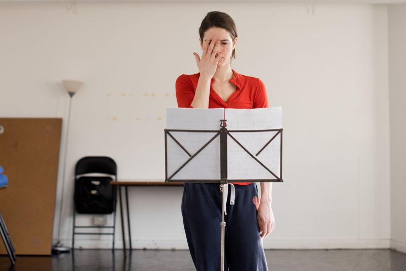 Jonathan Burrows & Matteo Fargion + Eleanor Sikorski & Flora Wellesley Wesley - New duet + Eleanor And Flora Music - 22/04 - © Camilla Greenwell