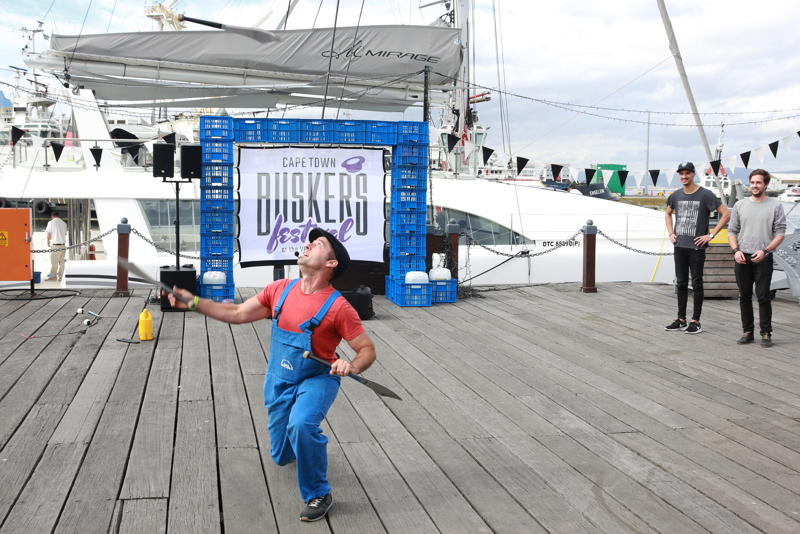 Buskers´ Festival with Dynamike - credit Nardus Engelbrecht Cape Town Fringe 2016
