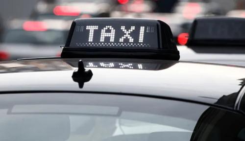 Een nieuwe steunpremie en vrijstelling voor de taxisector en de verhuurders van voertuigen met bestuurder