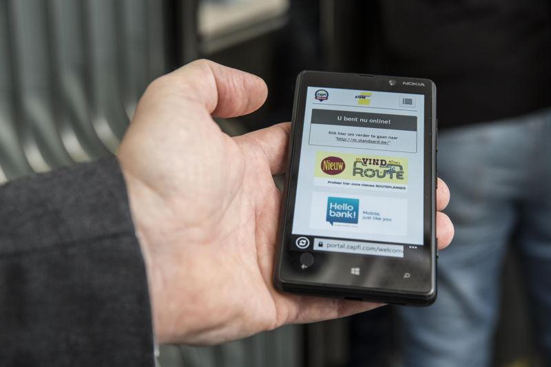Wifi op De Lijn: surfen op de tram (credit: Stefaan Van Hul)