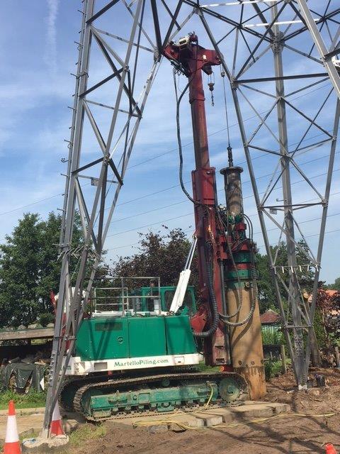 Projet Mercator pour Elia(Belgique): Rénovation des fondations existantes d'un pylône électrique<br/>Pieux forés, Ø 750 mm, longueur 15 m<br/>Exécution sous hauteur de travail limitée de 14 m